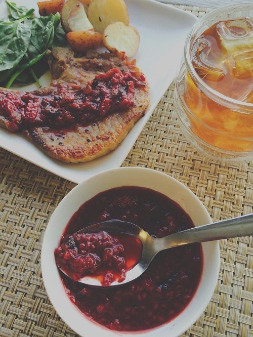 Sweet and savory Raspberry Balsamico Chutney -- perfect for backyard barbecuing!