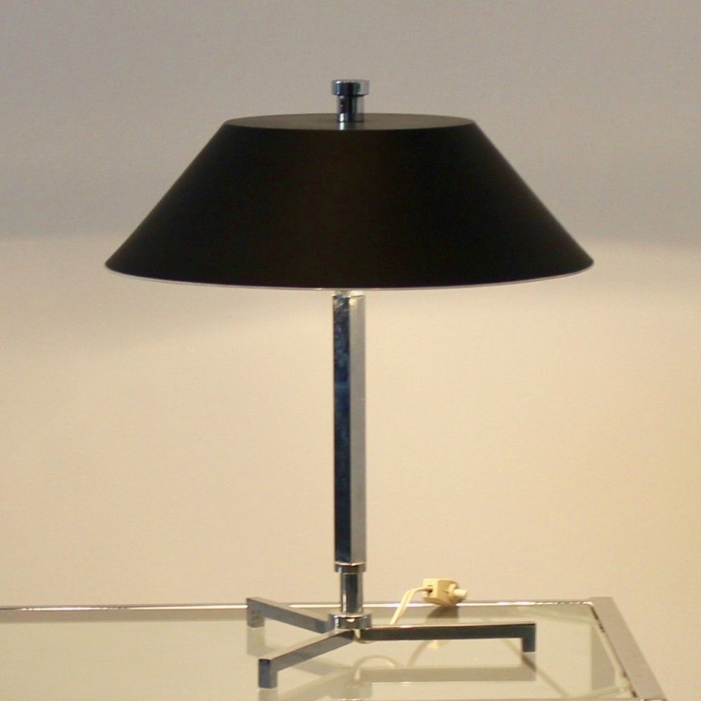 Located using > Presidents Light Desk Lamp by