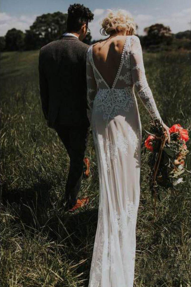 Elegante lange Ärmel Elfenbein Mantel Brautkleider backless Spitze Applique Land Hochzeitskleid € 226.60 SAPRKZS9C6 - SchickeAbendKleider.de #spitzeapplique