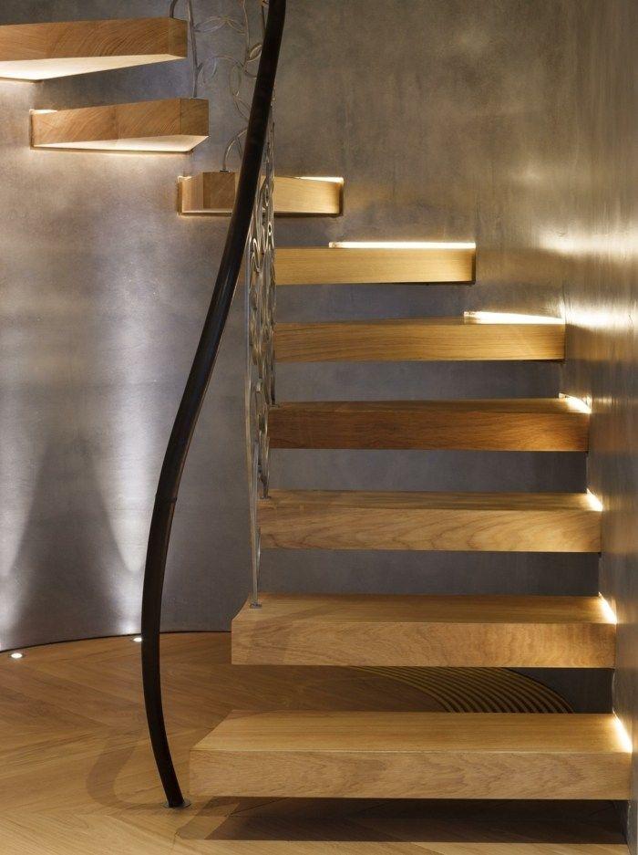 Modern und klassisch in einem wendeltreppe mit for Architektur klassisch