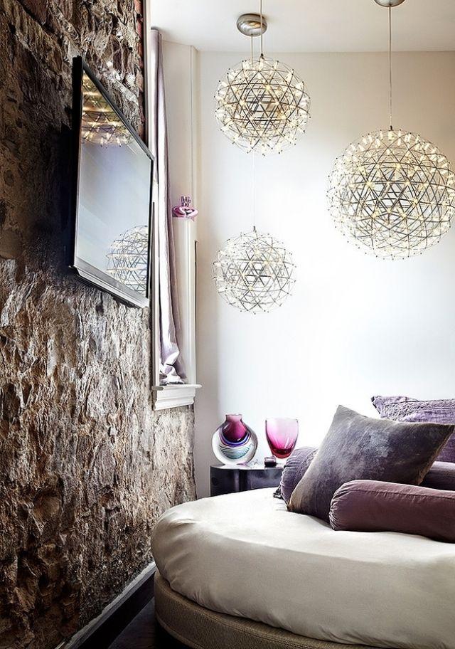 loft wohnung buhne gestalterische kreativitat, wandgestaltung-ideen rustikale wand-ziegel kronleuchter filigran, Design ideen