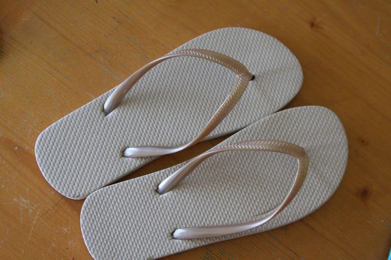 make dollar store flip flops pretty