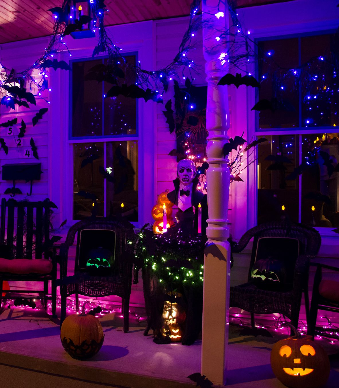 50 Chilling And Thrilling Halloween Porch Decorations Halloween Front Porch Halloween Lights Halloween Outdoor Decorations