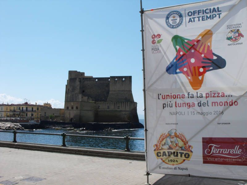 Castel dell'Ovo awaits Union is the longest pizza in the world