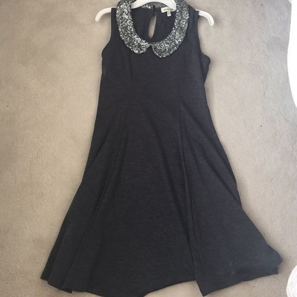 collard dress adorable dress with sequin collar. only worn 3 times tj maxx Dresses