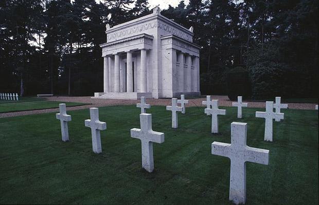 Top 10 Britain S Famous Cemeteries Cemeteries Muslim Cemetery American Cemetery