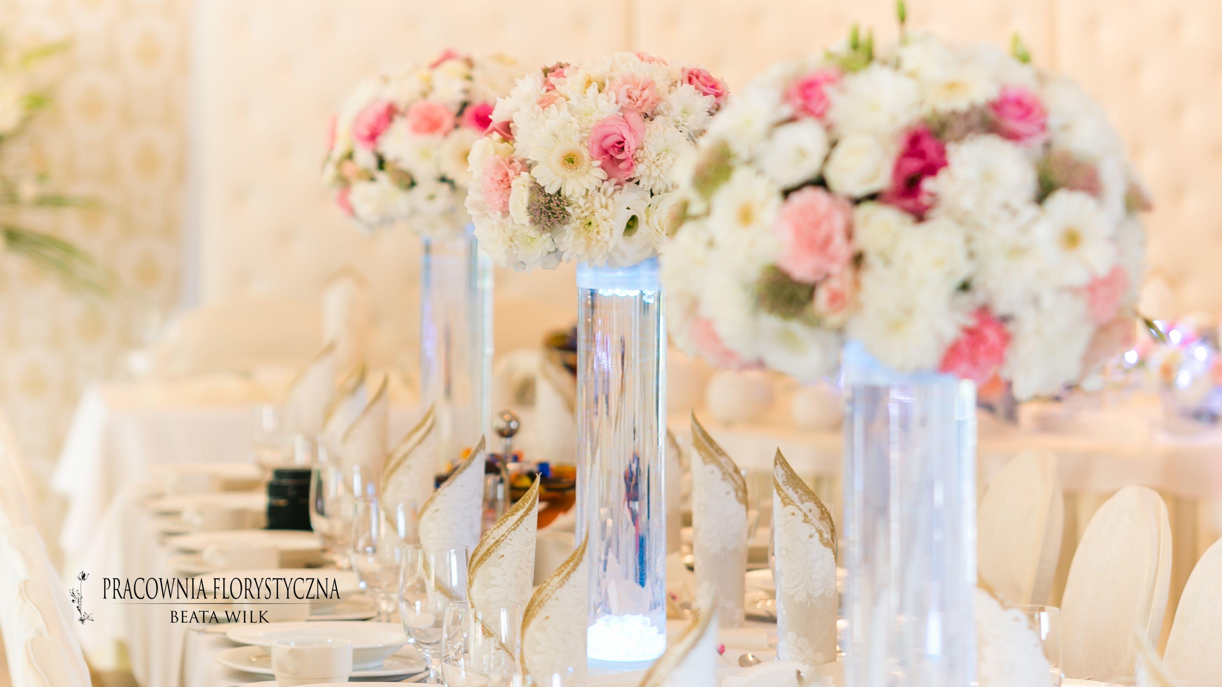Dekoracja Sali Weselnej Szklane Tuby Podswietlane Pikowany Parawan Wedding Decorations Table Decorations Decor