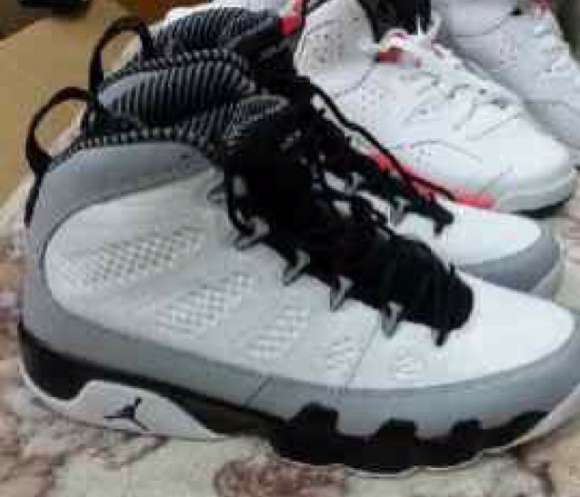 Air Jordan 9 Retro Barons First Look