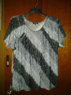 Elementz woman spandex blouse. Strech V pretty top size 3x free ship for $24.99nwt gray