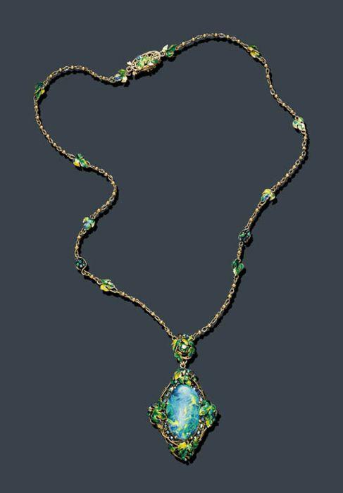 Necklace Louis Comfort Tiffany 1920 Christie S Tiffany Discount Tiffany Jewelry Necklaces Jewelry Bling Opal