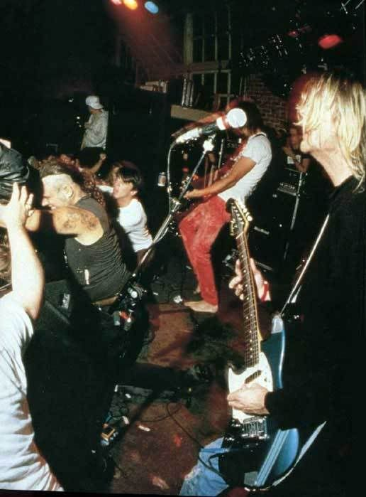 Nirvana live in Dallas 1991.