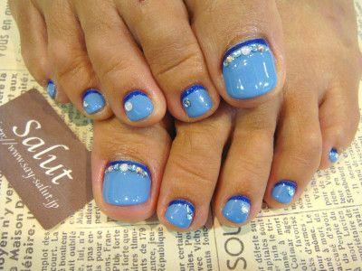 blue toe nails with dark blue line  rhinestones  feet