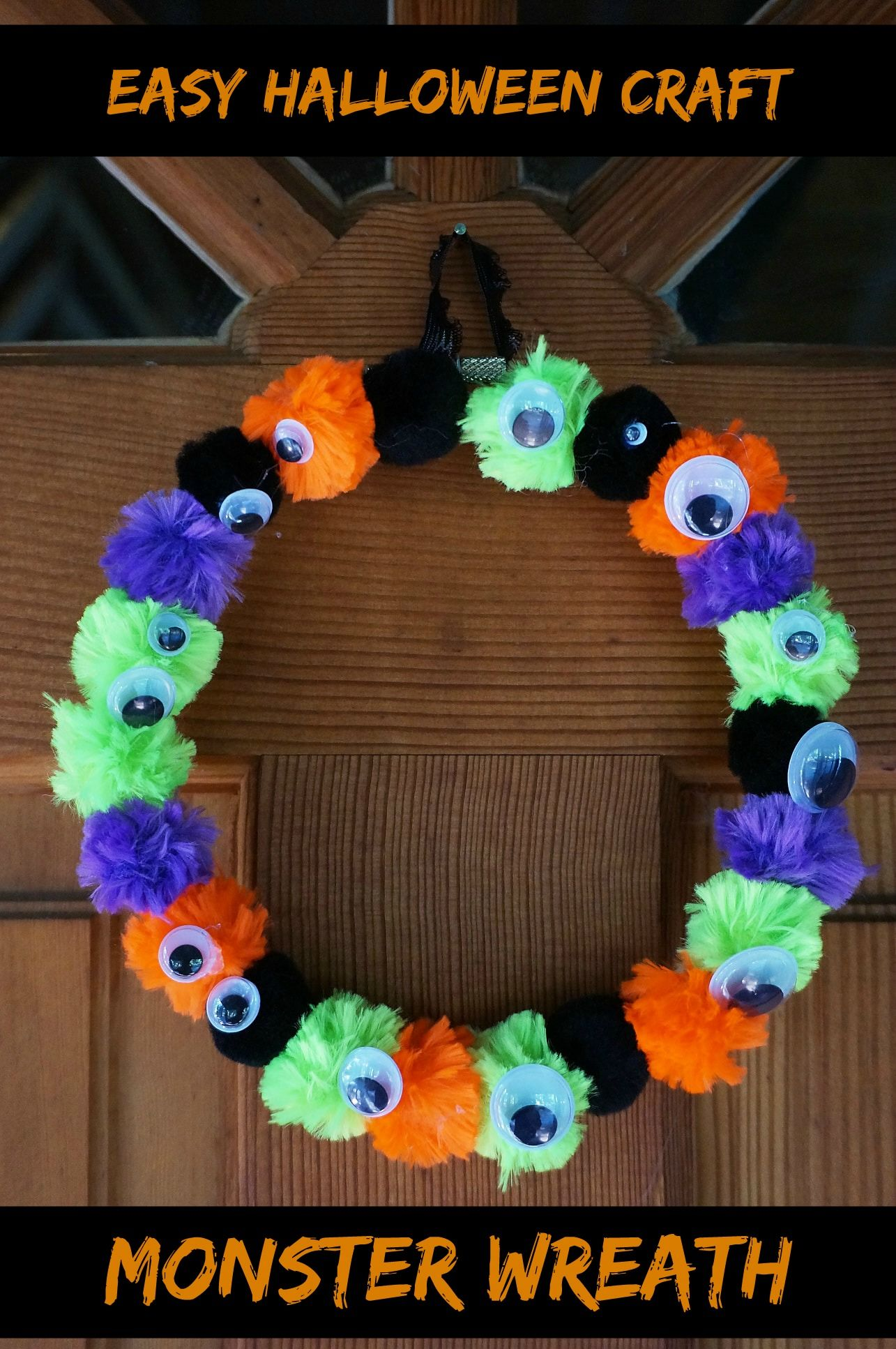 This Fun Easy Kid Craft Is Perfect For Halloween Have The Kids Make A Cute And Spooky Wreath With Pom Poms And Googly Eyes Halloween Ki Halloween Crafts For Kids Halloween