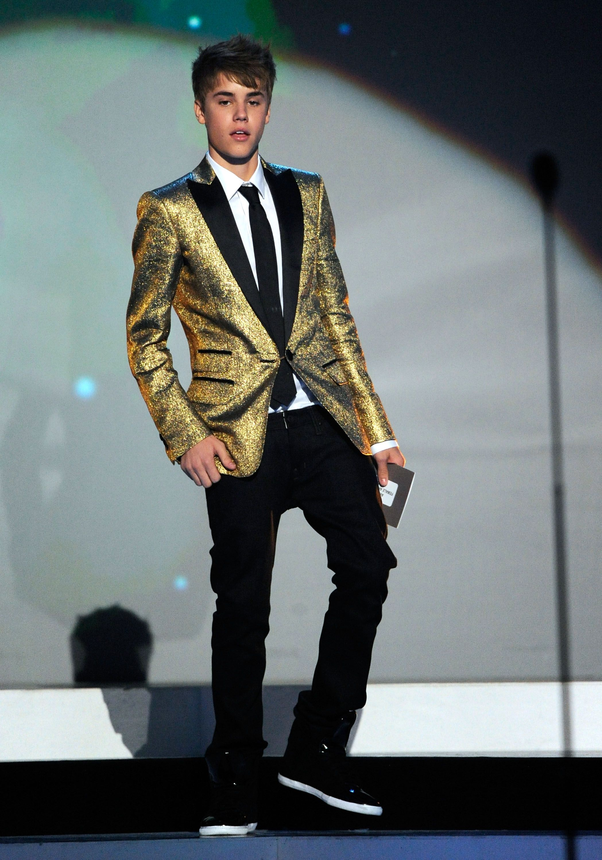 Justin Bieber gold sparkle blazer | S U I T S | Pinterest | Gold ...