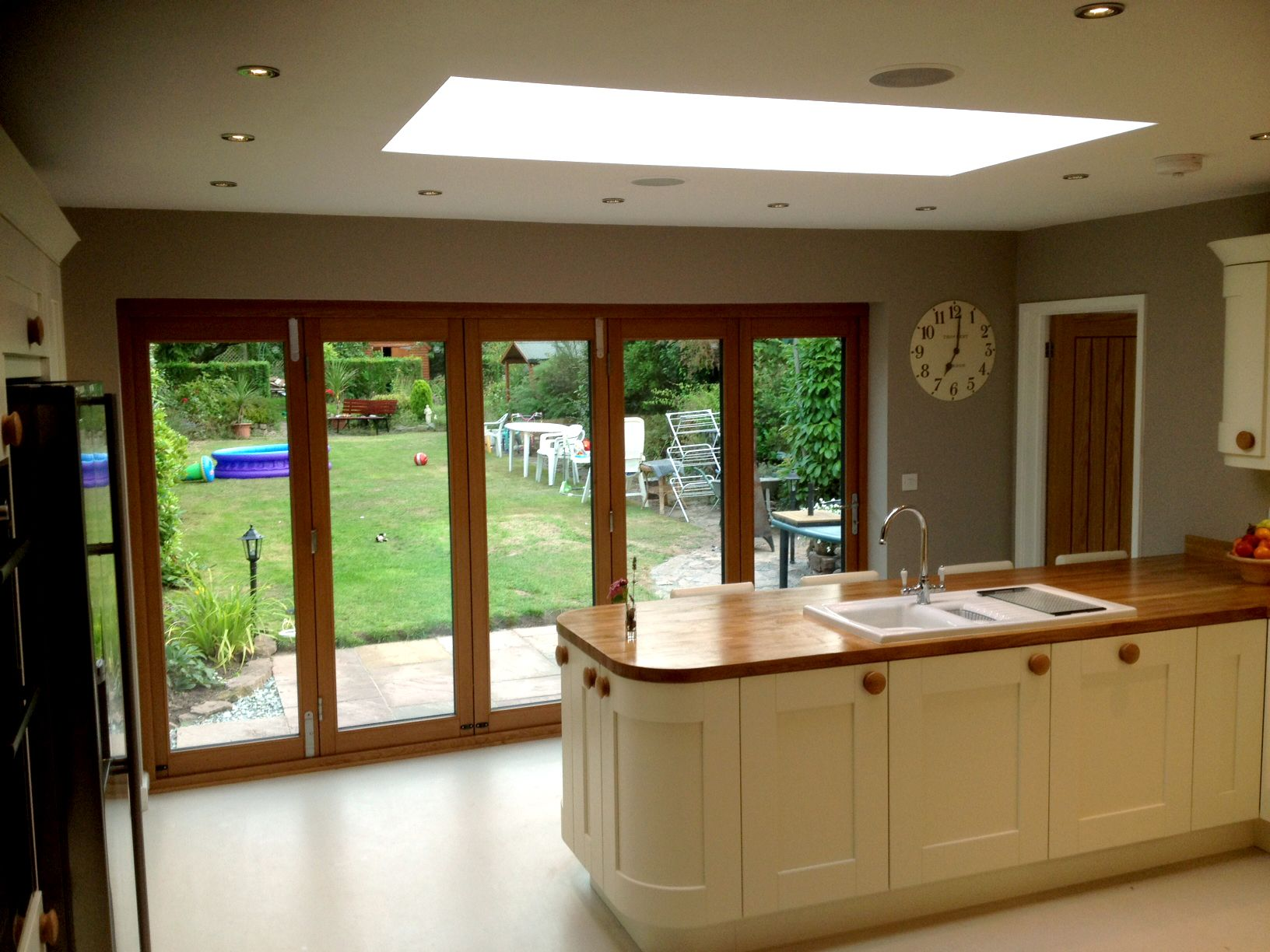 Great Bungalow Bifolding Doors   Kitchen Solution