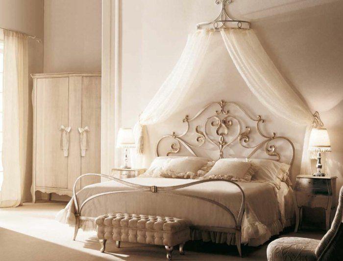 superior schlafzimmer ideen himmelbett #2: schlafzimmer-ideen-baldachin-betthimmel-himmelbett -metallbett-rankenornamente-silber-