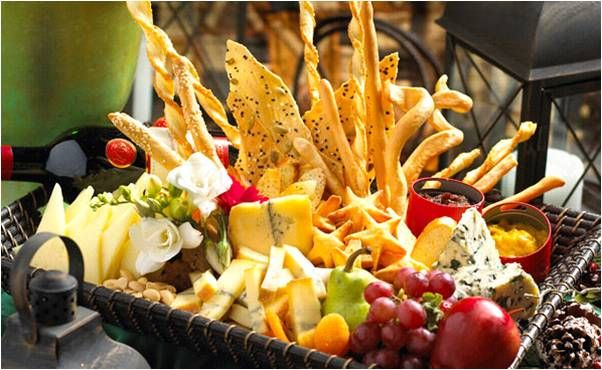5 Ideas To Personalize Your Wedding Catering And Reception Menu