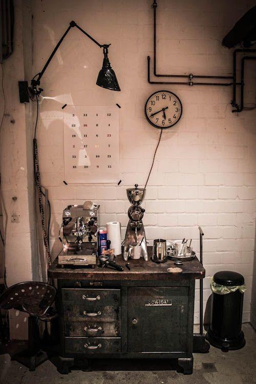 Ply Concept Store De Meubles Vintage Et Industriels A Hambourg Vintage Industrial Furniture Industrial Furniture Industrial Design Furniture