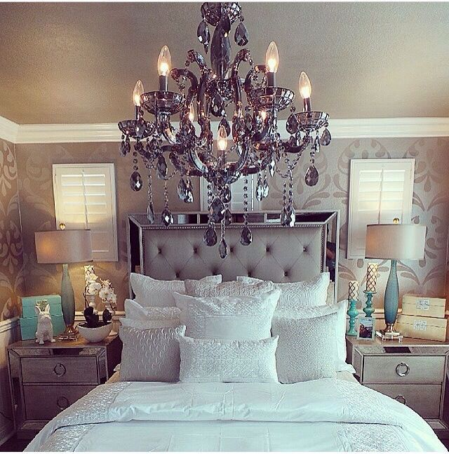 Nice Amazing Bed/chandelier