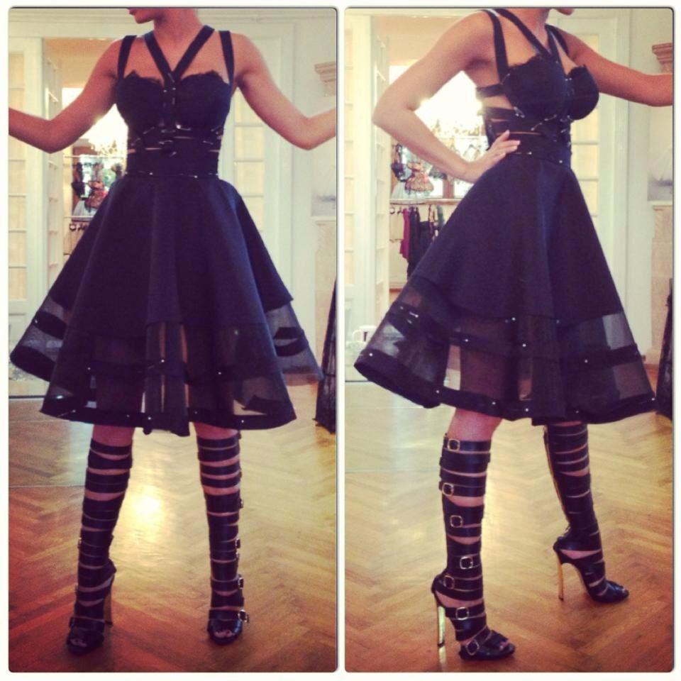 Black dress red carpet 15200