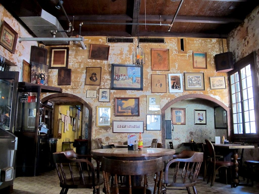 New Orleans Interiors Are All Different Sometimes Sitting In A Restaurant Half The