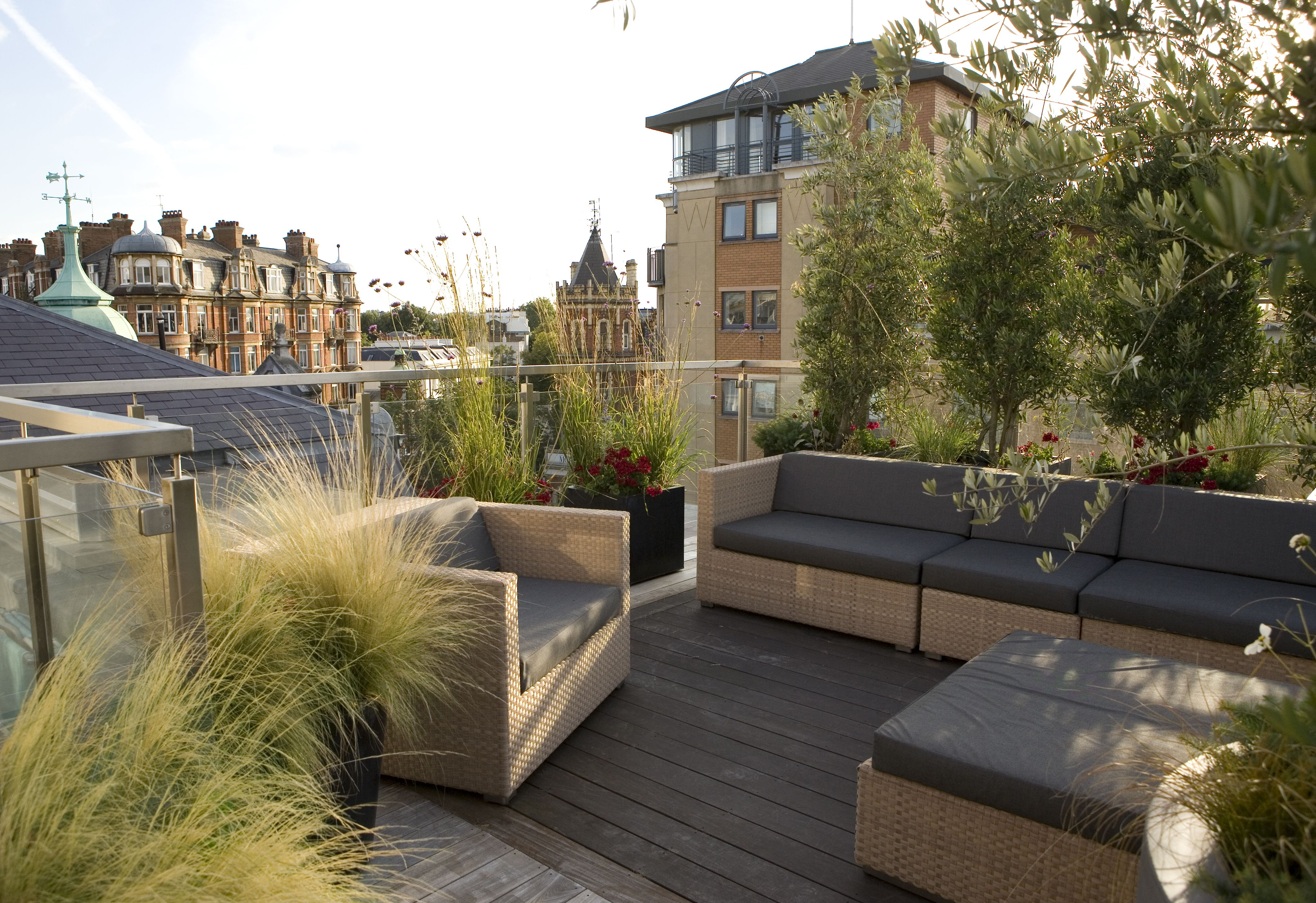 Dedon Furniture And Urbis Design Planters On A Rooftop Terrace In Central London. Design And Build By Maria Ornberg / … | Rooftop Patio, Garden Design London, Patio