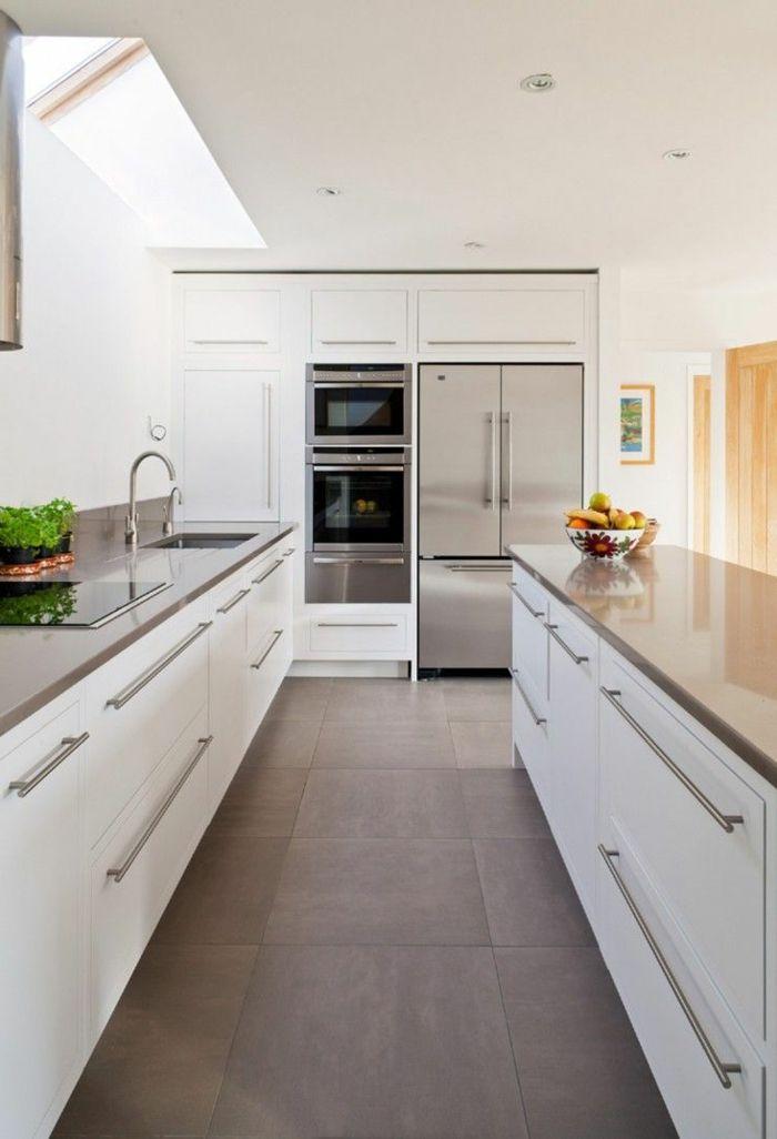 Küche Gestalten Weiß Grau Bodenfliesen Deko