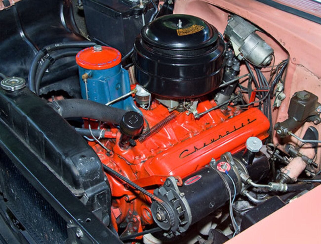 1955 Chevy 265 The Little Engine That Still Can Power Steering Pump Mounted On The Generator Easy To Change The Oil Filter Ev 1955 Chevy Chevy 55 Chevy