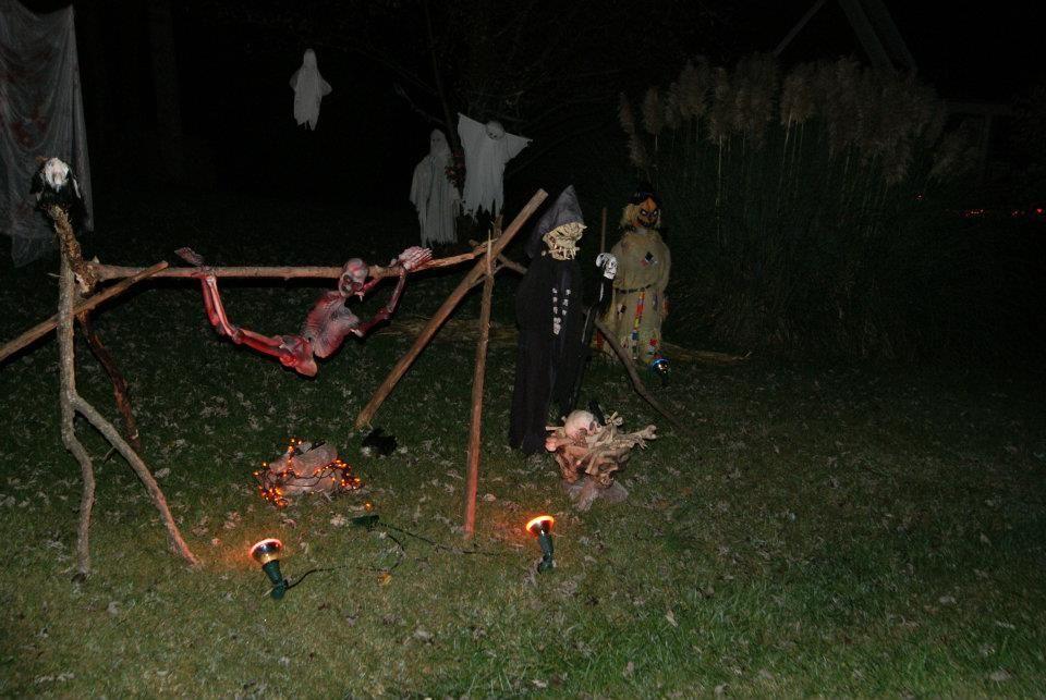 Halloween Yard Ideas Name