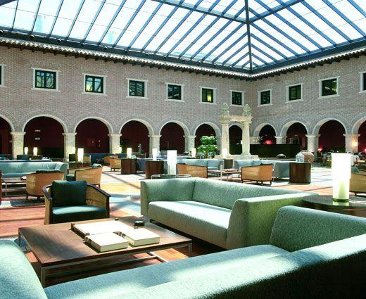 Disfrute de este histórico hotel de Valladolid