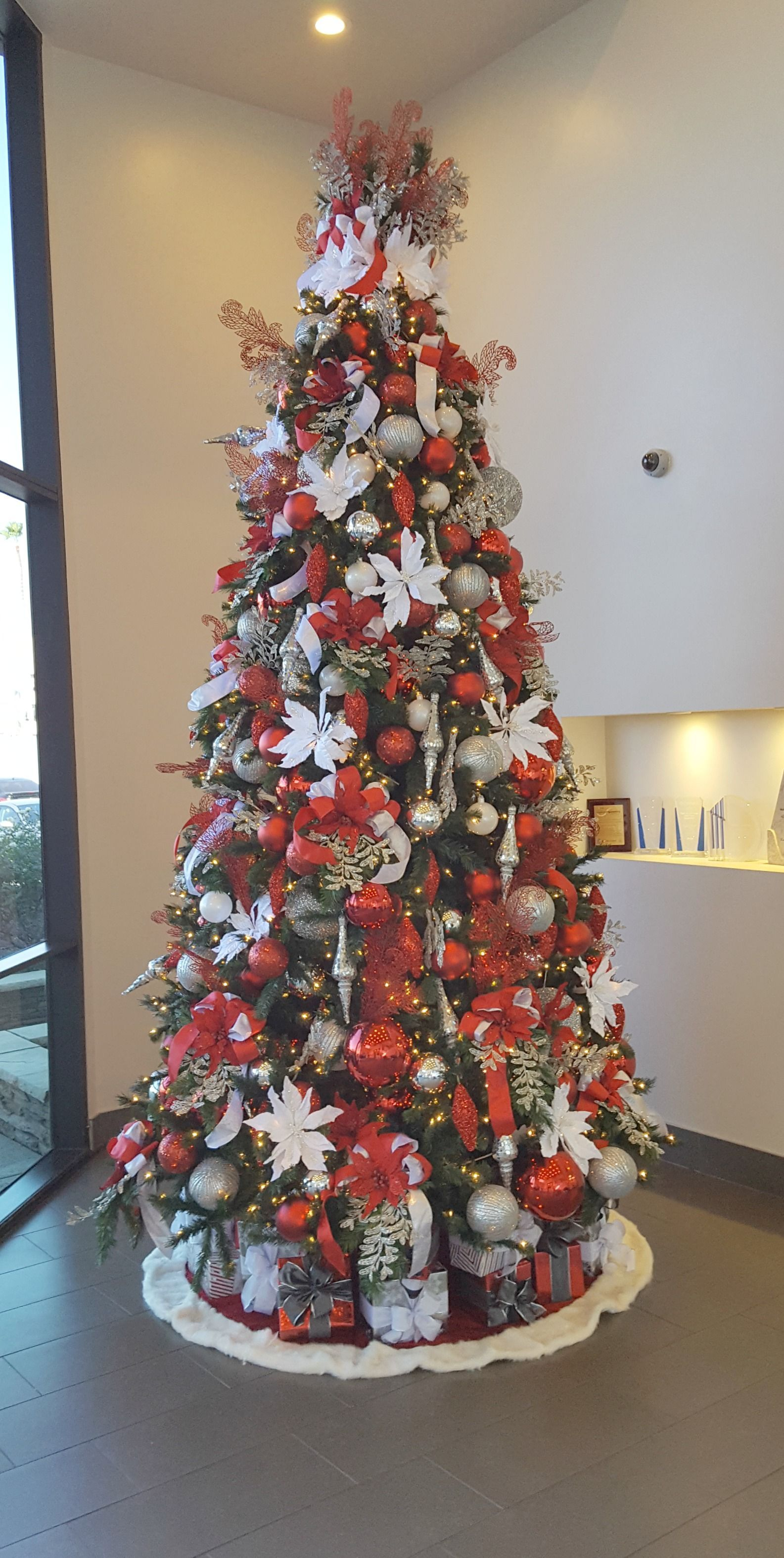 Red White And Silver Decorated Christmas Tree Rental, Commercial Christmas