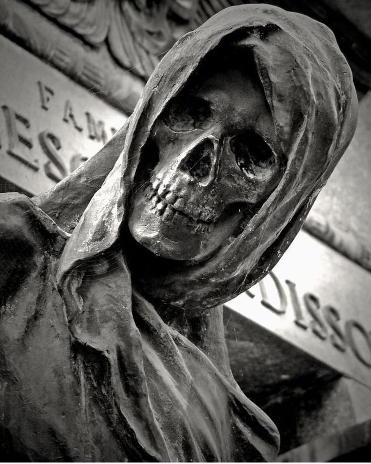 Pin by Derald Hallem on Skull art in 2019 | Cemetery ...