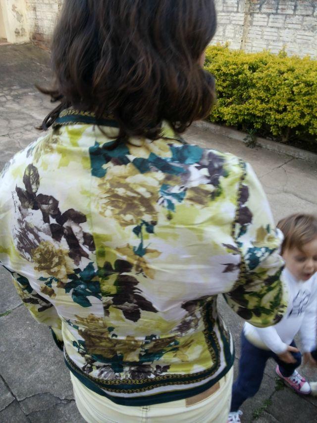 FEMINA - Modéstia e elegância: Meu look com camisa estampa lenço