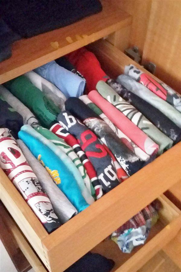 Aprende A Doblar Camisetas Toallas Calcetines Pantalones Jerseys Con El Método Konmari La Técnica De Doblar Camiseta Doblar Pantalones La Magia Del Orden