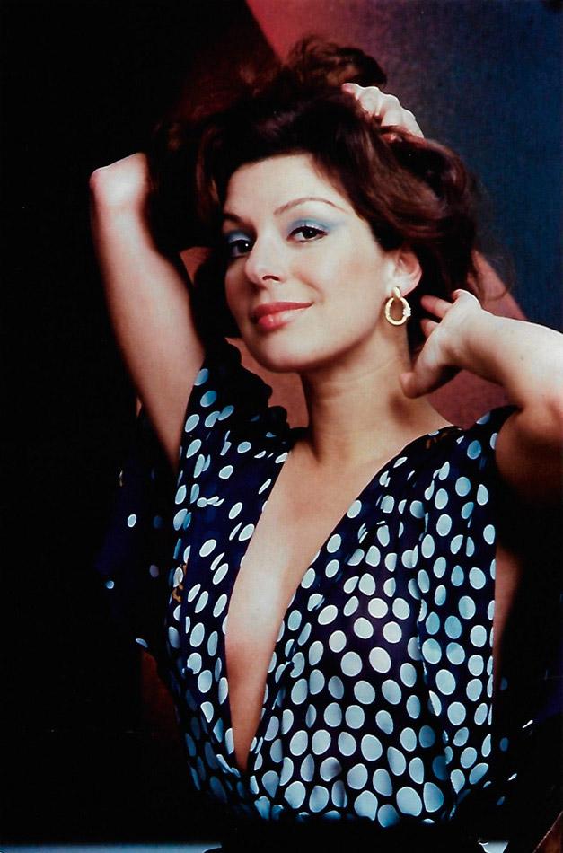 Años 70 Virginia Vallejo Página Oficial En 2020 Virginia Años 70 Hollywood