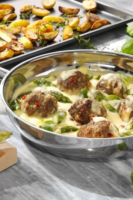 Photo of Asparagus with Mediterranean Meatballs Recipe maggi.de
