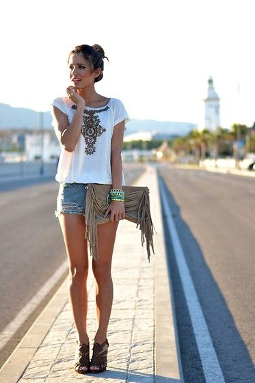 Van Dos Top, Sheinside Shorts, Parfois Bag