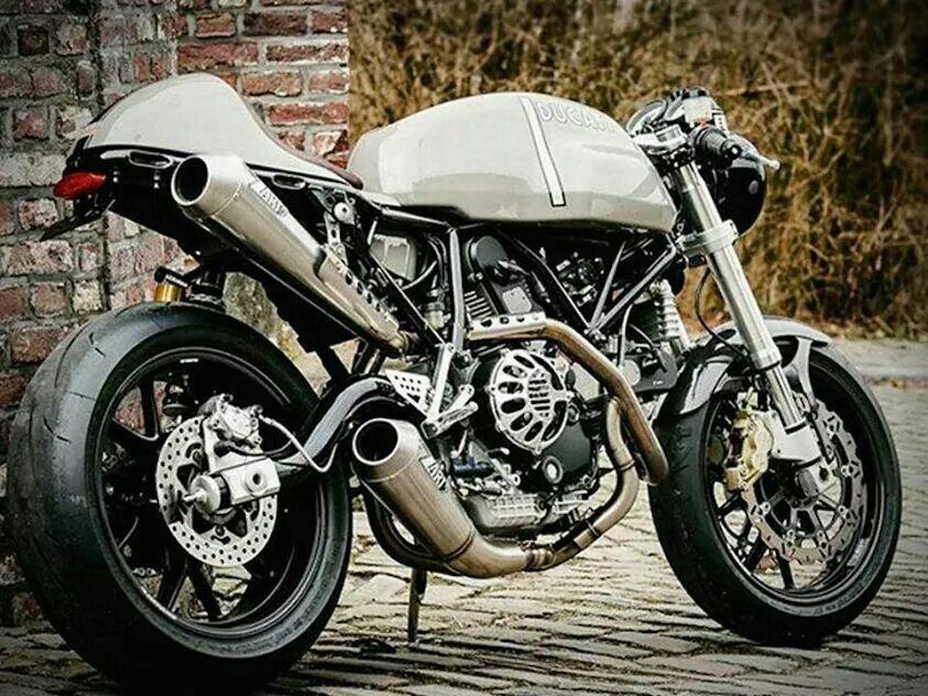 Ducati 1000 by Flying Hermans