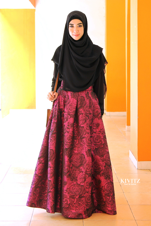 I love this black pasmina | Looks so elegant KIVITZ | Hijab Style | Pinterest | Elegant Black ...