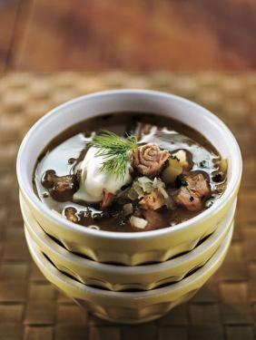Hapankaali-lohiseljanka. Käytä hapankaalia kruunaamaan tämä erityisen hyvä keitto ja nauti.