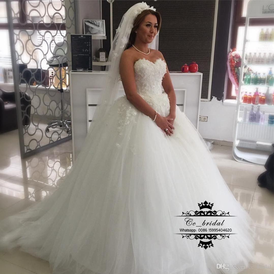 Elegant Princess Ball Gown Russian Wedding Dresses 2017 Off Shoulder  Backless Large Bow Long Satin Plus Size Cheap Arabic …  6886d359d