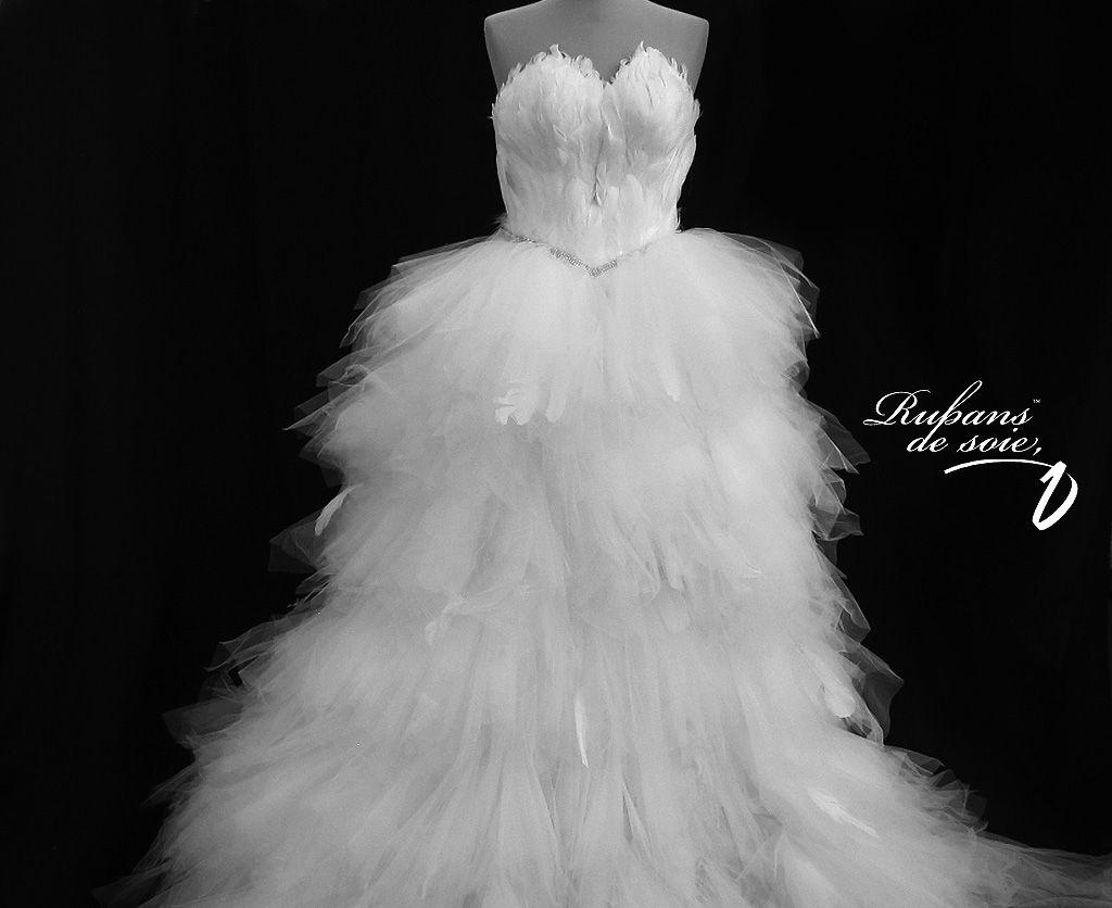 feather wedding dress | Weddings | Pinterest | Feather wedding ...