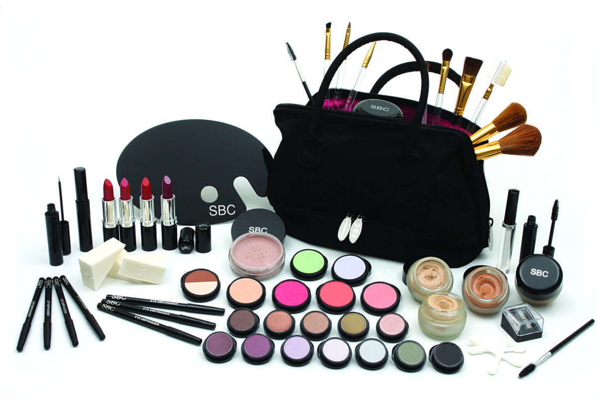 Imported Women's makeup accessories kit 2017 Makeup kit