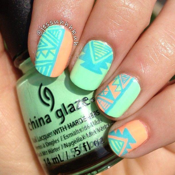 Uñas verde claro con formas - Green nails with forms | Uñas ...