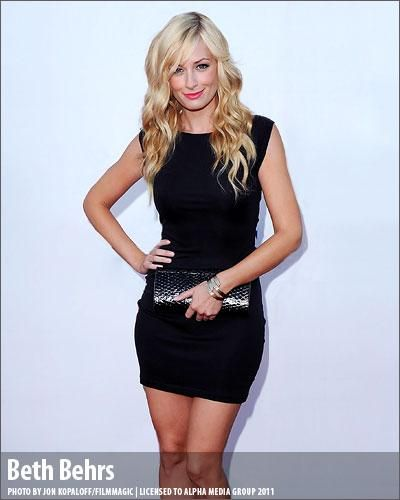 2 broke girls Beth Behrs gosh she's hot