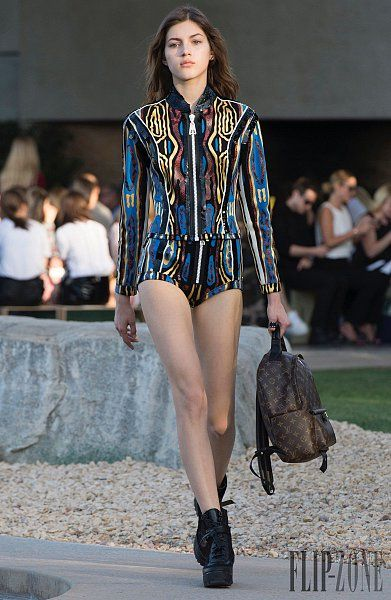 Louis Vuitton – 52 photos - the complete collection