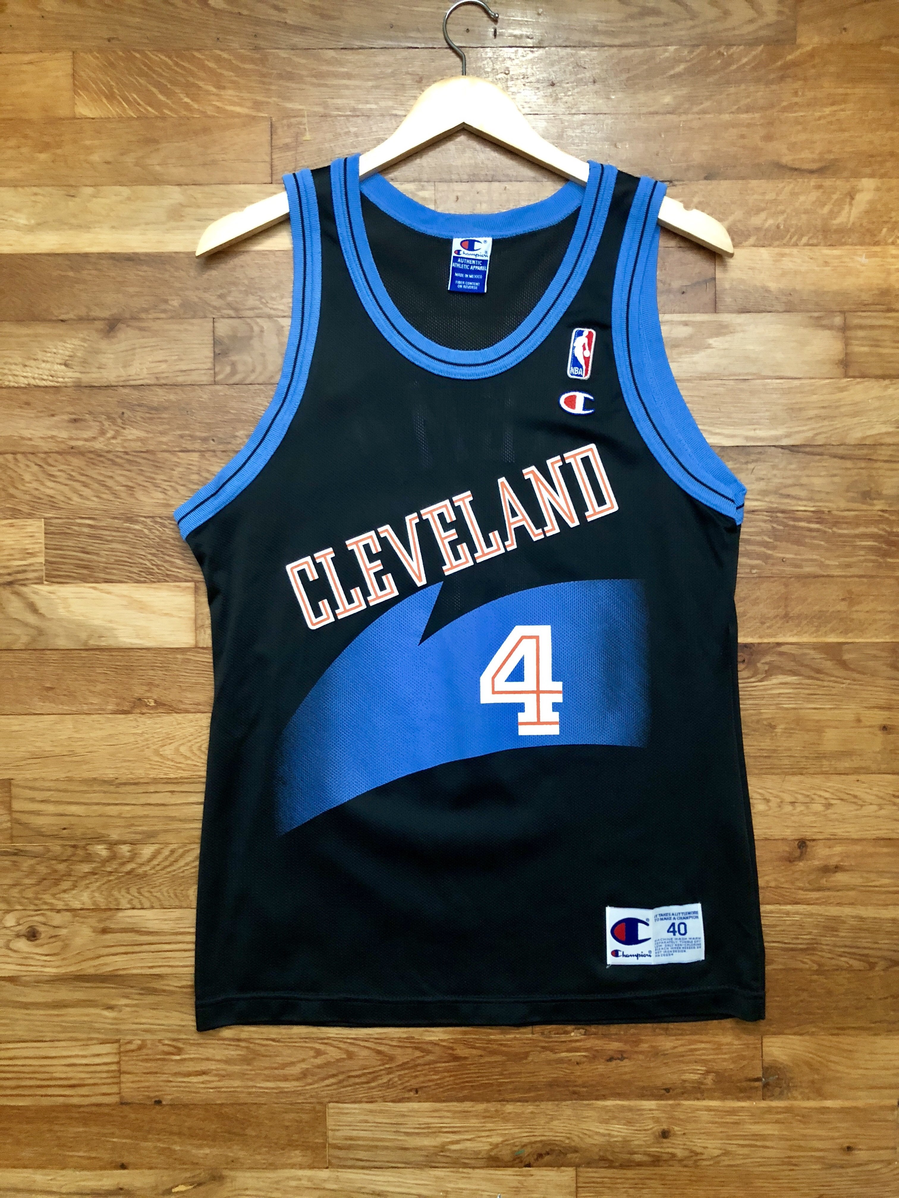 brand new e6403 fab67 Shawn Kemp Cleveland Cavs Champion Jersey 40 / Medium ...
