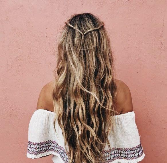 Pin By Baylee Cabrera On Hair Hair Styles Long Hair Styles Beach Hair