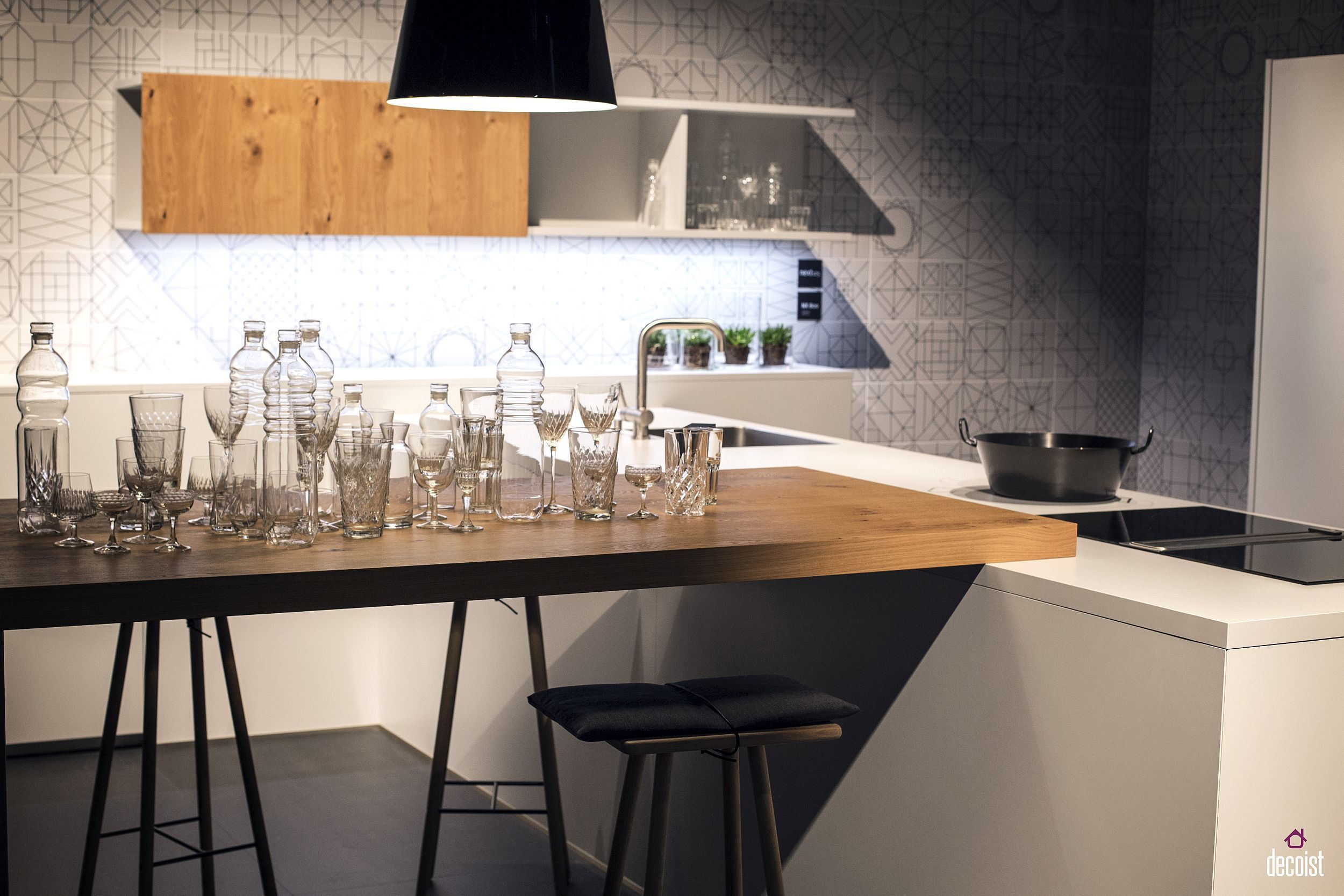 20 Ingenious Breakfast Bar Ideas For The Social Kitchen Pink Girl In 2021 Contemporary Kitchen Tiles Kitchen Bar Design Stylish Kitchen