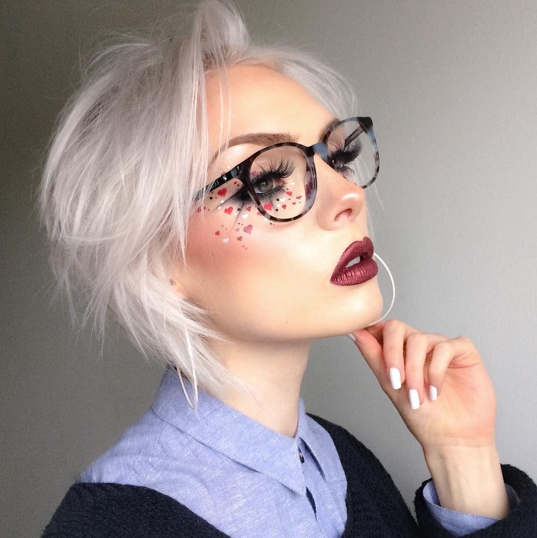 "9,339 curtidas, 122 comentários - Rachel Georgina ☥ (@rachelgeorgina) no Instagram: ""🌹💀Look inspired by dracula's brides.  ______ EYES: @makeupgeekcosmetics single  eyeshadows in Early…"""